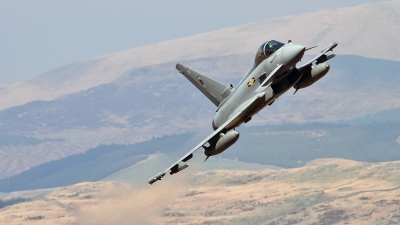 Photo ID 62237 by Mark Johnson. UK Air Force Eurofighter EF 2000 Typhoon FGR4, ZJ924