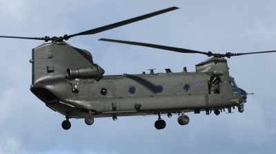 Photo ID 69493 by Mike Griffiths. UK Air Force Boeing Vertol Chinook HC2, ZA681