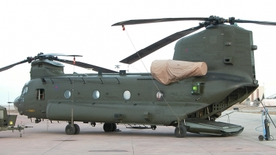 Photo ID 70523 by Tom Gibbons. UK Air Force Boeing Vertol Chinook HC2, ZA679