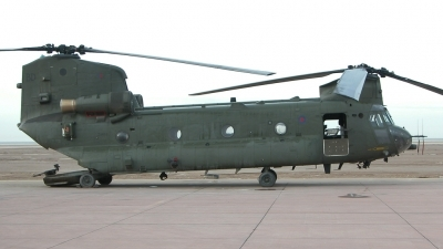 Photo ID 70545 by Tom Gibbons. UK Air Force Boeing Vertol Chinook HC2, ZA683