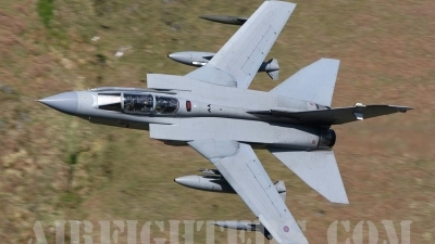 Photo ID 8952 by Paul Cameron. UK Air Force Panavia Tornado GR4, ZD792