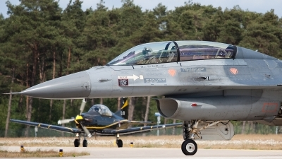 Photo ID 74366 by Johan Havelaar. Netherlands Air Force General Dynamics F 16BM Fighting Falcon, J 210