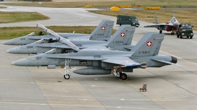 Photo ID 74806 by Andreas Zeitler - Flying-Wings. Switzerland Air Force McDonnell Douglas F A 18C Hornet, J 5017