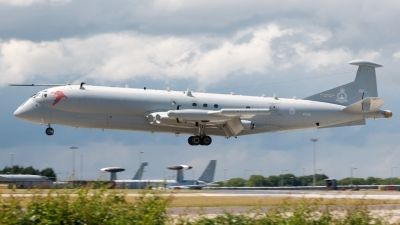 Photo ID 75752 by Stuart Skelton. UK Air Force Hawker Siddeley Nimrod R1, XV249