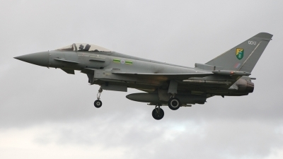 Photo ID 9530 by Lee Hathaway. UK Air Force Eurofighter EF 2000 Typhoon F2, ZJ916