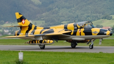 Photo ID 77673 by Günther Feniuk. Private Private Hawker Hunter T68, HB RVV