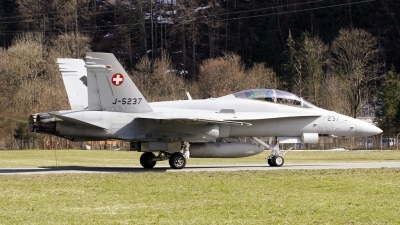 Photo ID 79355 by PAUL CALLAGHAN. Switzerland Air Force McDonnell Douglas F A 18D Hornet, J 5237