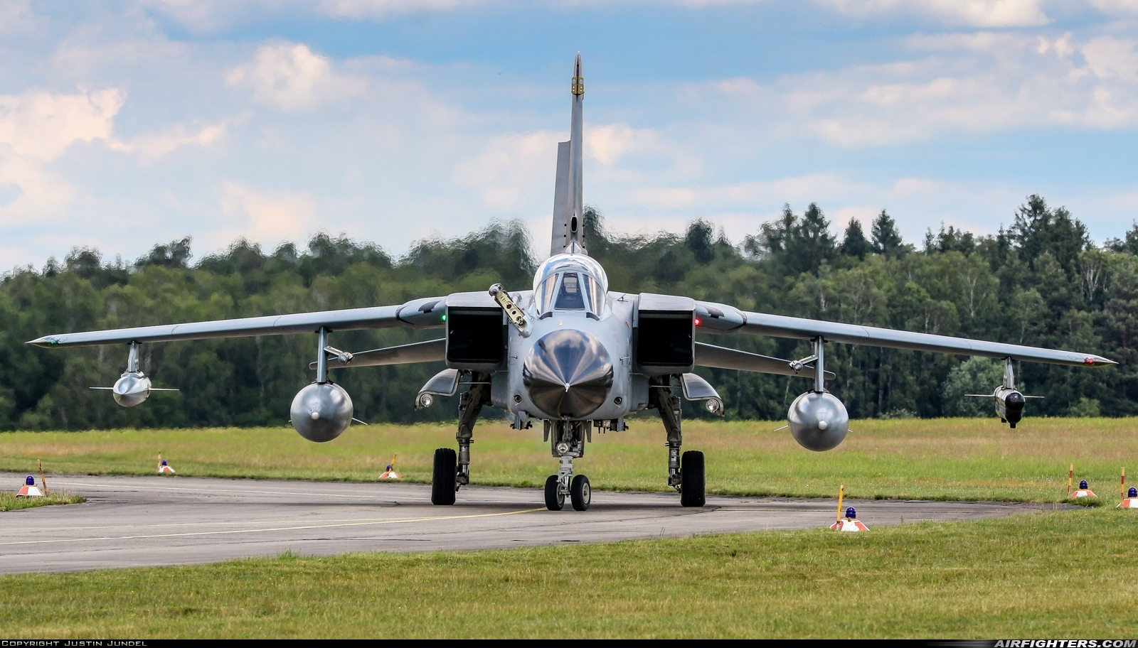 45 69 cn 672 gs213 4269 panavia tornado ids photo by justin jundel airfighters com airfighters com
