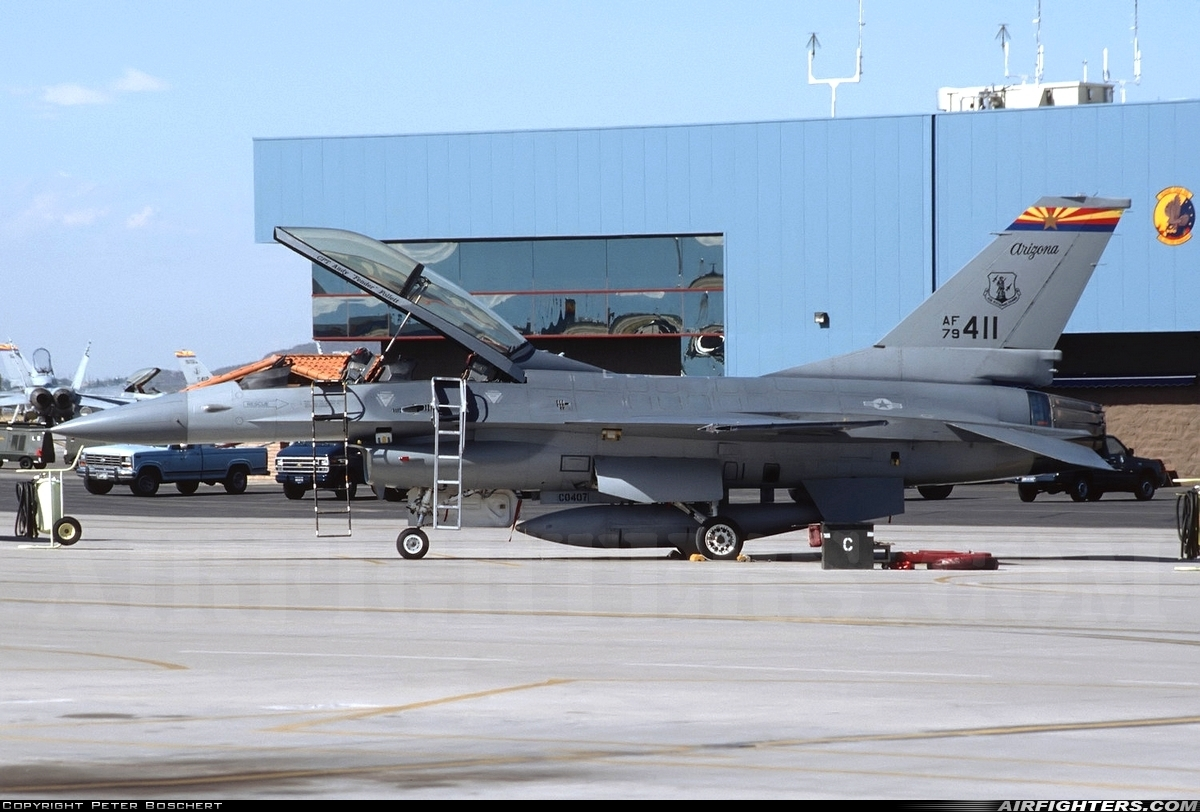 Photo ID 244254 by Peter Boschert. USA Air Force General Dynamics F 16B Fighting Falcon, 79 0411