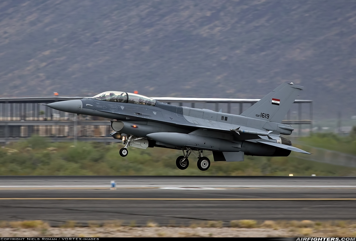 Photo ID 246517 by Niels Roman / VORTEX-images. Iraq Air Force General Dynamics F 16D Fighting Falcon, 1619