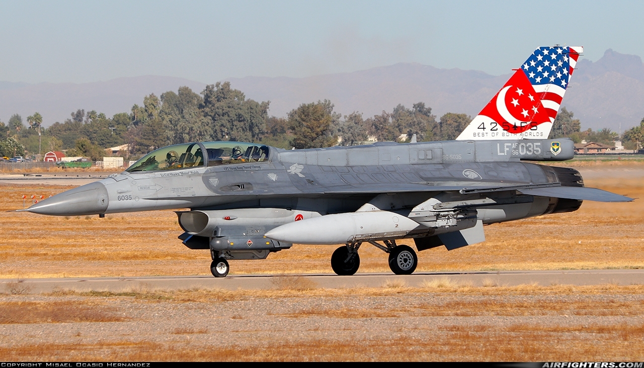 Photo ID 247731 by Misael Ocasio Hernandez. Singapore Air Force General Dynamics F 16D Fighting Falcon, 96 5035