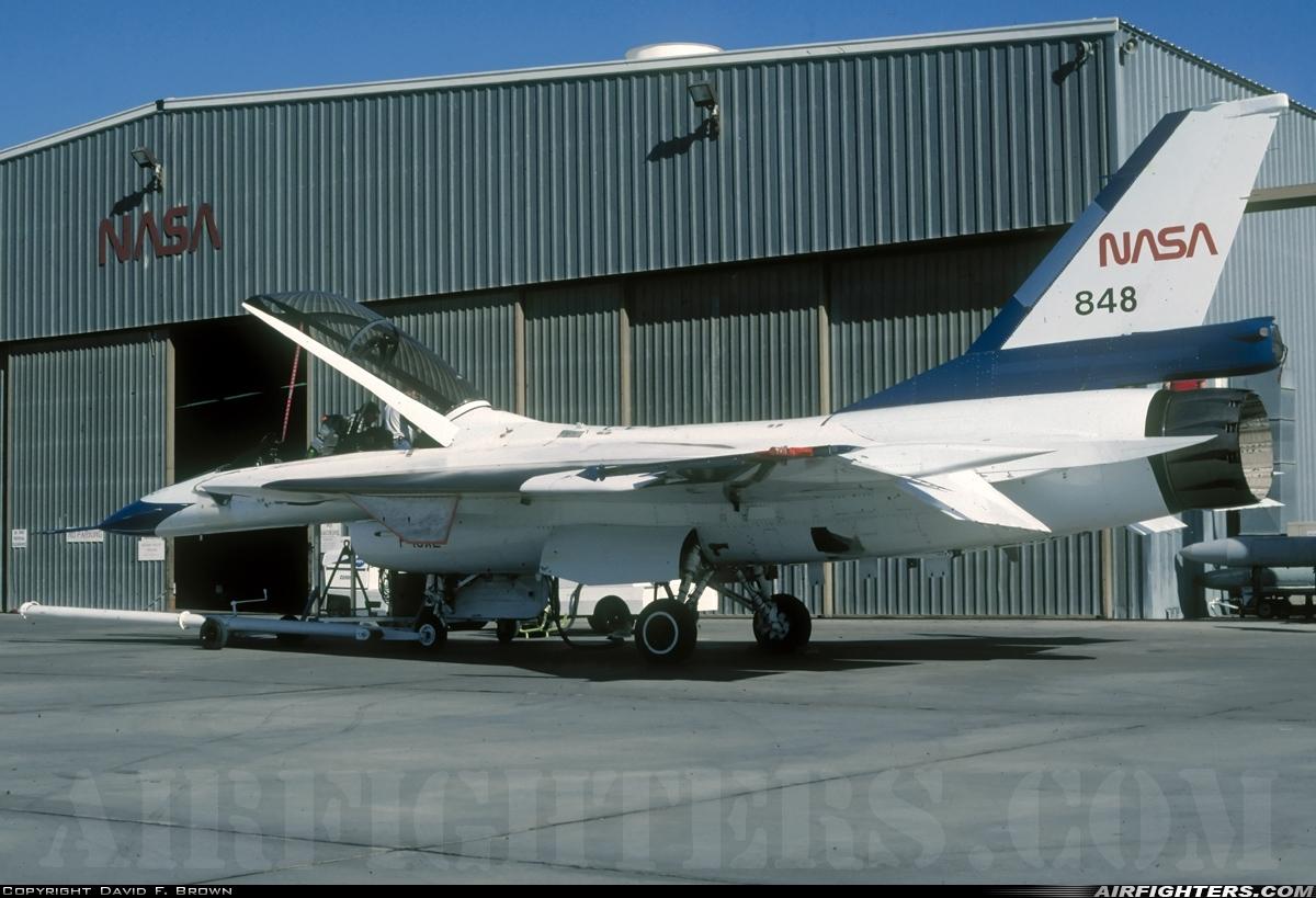AIRFIGHTERS COM - General Dynamics F-16B/XL Fighting Falcon